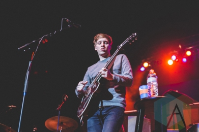 George Ezra performing at the Oh Starry Night holiday concert at the Petersen Events Centre in Pittsburgh on December 8, 2015. (Photo: Emily Kovacic/Aesthetic Magazine)