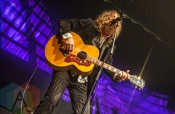 Tom Wilson performing at the Andy Kim Christmas Show at The Phoenix Concert Theatre in Toronto on December 9, 2015. (Photo: Orest Dorosh/Aesthetic Magazine)