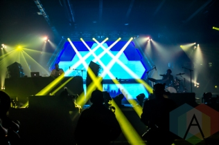 The Floozies performing at the Donald Stephens Convention Center in Chicago as part of Reaction NYE 2015. (Photo: Kari Terzino/Aesthetic Magazine)