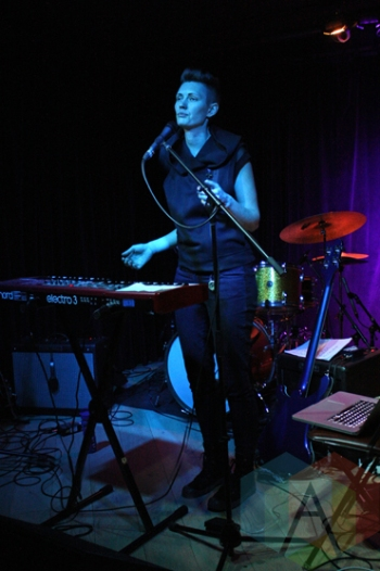 Dinah Thorpe performing at the Burdock Music Hall in Toronto on January 30, 2016. (Photo: Mike Fowler/Aesthetic Magazine)