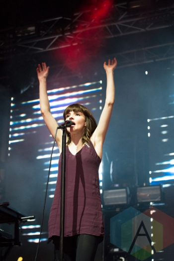 CHVRCHES performing at the 2016 Laneway Festival in Sydney, Australia on February 7, 2016. (Photo: Gwendolyn Lee/Aesthetic Magazine)