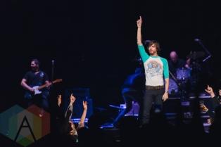 Chris Janson performing at The Palace of Auburn Hills in Detroit on February 20, 2016. (Photo: Jennifer Boris/Aesthetic Magazine)