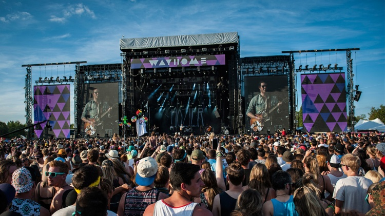 Hozier performing at Wayhome Music Festival 2015.