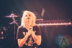 KLOE performing at the Troubadour in Los Angeles on March 23, 2016. (Photo: Julio de la Torre/Aesthetic Magazine)