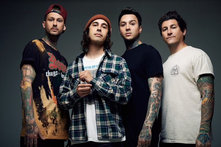 Pierce The Veil. (LEFT TO RIGHT: Mike Fuentes, Vic Fuentes, Tony Perry, Jaime Preciado)
