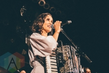 Julieta Venegas performing at the House of Blues in Anaheim on April 20, 2016. (Photo: Julio de la Torre/Aesthetic Magazine)