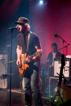 Sloan performing at the Roxy Theatre in Barrie on April 5, 2016. (Photo: Savannah Miranda/Aesthetic Magazine)