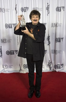 Canadian Music Hall of Fame inductee Burton Cummings at the 2016 JUNO Awards at Scotiabank Saddledome in Calgary on April 3, 2016. (Photo: CARAS)