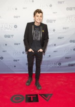 Scott Helman on the red carpet at the 2016 JUNO Awards at Scotiabank Saddledome in Calgary on April 3, 2016. (Photo: CARAS)