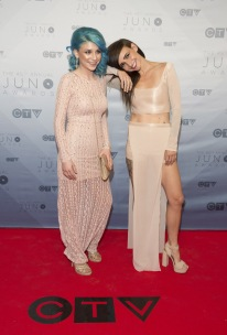 Lights on the red carpet at the 2016 JUNO Awards at Scotiabank Saddledome in Calgary on April 3, 2016. (Photo: CARAS)