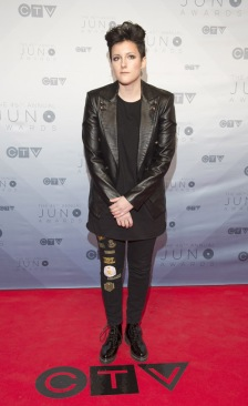 Ria Mae on the red carpet at the 2016 JUNO Awards at Scotiabank Saddledome in Calgary on April 3, 2016. (Photo: CARAS)