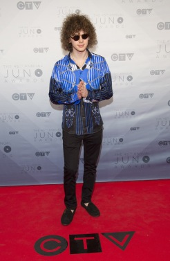 Francesco Yates on the red carpet at the 2016 JUNO Awards at Scotiabank Saddledome in Calgary on April 3, 2016. (Photo: CARAS)