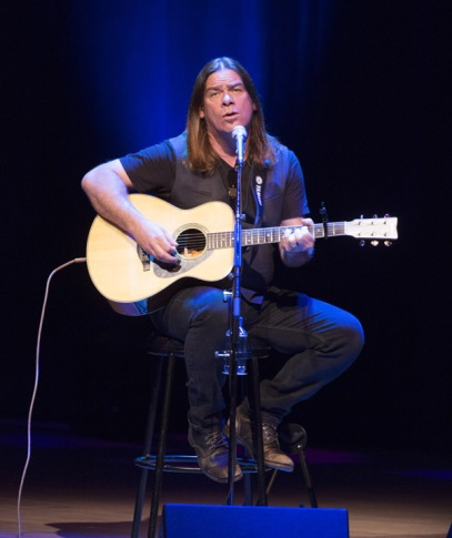 Alan Doyle performing at the JUNO Songwriters' Circle at the Jack Singer Concert Hall in Calgary on April 3, 2016. (Photo: CARAS)