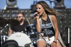 Jana Kramer performing on the Toyota Mane Stage at the Stagecoach Festival on April 29, 2016. (Photo: Erik Voake/Goldenvoice)