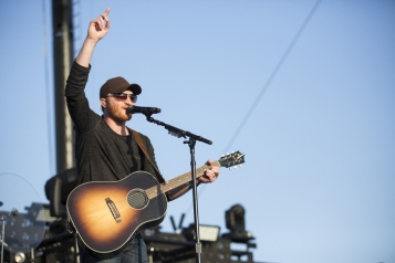 Eric Paslay performing on the Toyota Mane Stage at the Stagecoach Festival on April 29, 2016. (Photo: Nikki Jahanforouz)