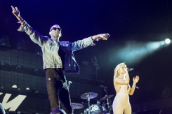 G-Eazy and Bebe Rexha join Sam Hunt on the Toyota Mane Stage at the Stagecoach Festival on April 29, 2016. (Photo: Erik Voake/Goldenvoice)