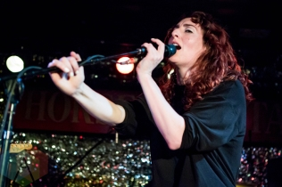 Hannah Georgas performing at the Horseshoe Tavern in Toronto on May 6, 2016. (Photo: Katrina Lat/Aesthetic Magazine)