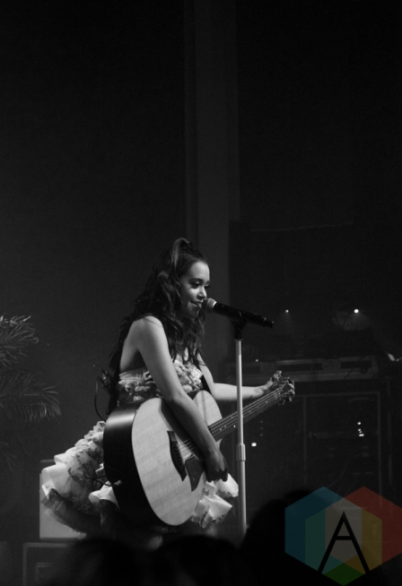 Megan Nicole performing at the Varsity Theatre in Minneapolis on May 12, 2016. (Photo: Zara Luna/Aesthetic Magazine)