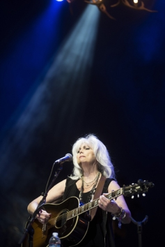 Emmylou Harris performs on the Palomino Stage at the Stagecoach Festival on April 29, 2016. (Photo: Natt Watters /Goldenvoice)
