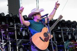 Dustin Lynch performing on the Toyota Mane Stage at the Stagecoach Festival on May 1, 2016. (Photo: Meghan Lee/Aesthetic Magazine)