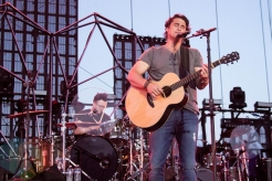Joe Nichols performing on the Toyota Mane Stage at the Stagecoach Festival on April 30, 2016. (Photo: Meghan Lee/Aesthetic Magazine)