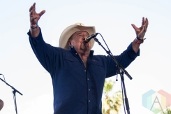 Johnny Lee performing on the Palomino Stage at the Stagecoach Festival on May 1, 2016. (Photo: Meghan Lee/Aesthetic Magazine)