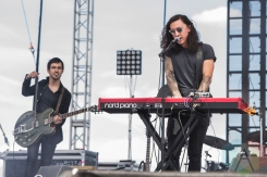Noah Gundersen performing at Sasquatch 2016 at The Gorge Amphitheatre in George, Washington on May 28, 2016. (Photo: Kevin Tosh/Aesthetic Magazine)