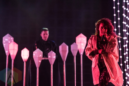 Purity Ring performing at Sasquatch 2016 at the Gorge Amphitheatre in George, Washington on May 29, 2016. (Photo: Kevin Tosh/Aesthetic Magazine)
