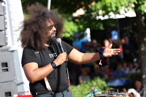 Reggie Watts performing at Moogfest 2016 in Durham, North Carolina on May 21, 2016. (Photo: Carlos D.)