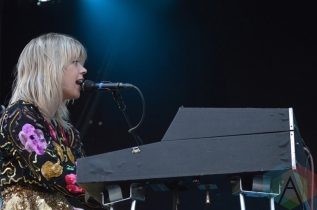 Basia Bulat performing at Field Trip 2016 in Toronto on June 5, 2016. (Photo: Justin Roth/Aesthetic Magazine)