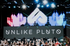 Unlike Pluto performing at FVDED in the Park at Holland Park in Surrey, BC on July 3, 2016. (Photo: Timothy Nguyen/Aesthetic Magazine)