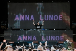 Anna Lunoe performing at FVDED in the Park at Holland Park in Surrey, BC on July 3, 2016. (Photo: Timothy Nguyen/Aesthetic Magazine)