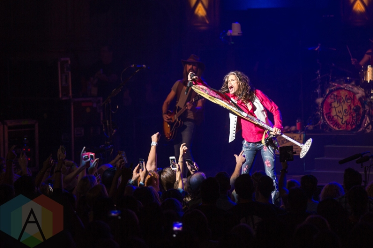 Steven Tyler performing at at the Orpheum Theatre in Vancouver on July 10, 2016. (Photo: Isaac Wray/Aesthetic Magazine)