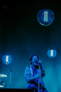 Pearl Jam performing at the Pemberton Music Festival on July 17, 2016. (Photo: Huka)
