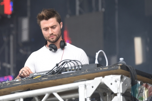 Frank Walker performing at the VELD Music Festival in Toronto on July 30, 2016 (Photo: Jaime Espinoza/Aesthetic Magazine)