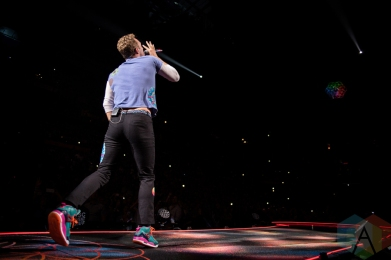 Chris Martin of Coldplay performing at the First Niagara Center in Buffalo on August 1, 2016. (Photo: Janine Van Oostrom/Aesthetic Magazine)