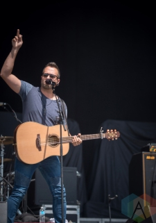 Jason Benoit performing at the Boots And Hearts Music Festival on August 7, 2016. (Photo: Jeremy Mac Knott/Aesthetic Magazine)