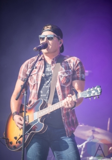 Jason Blaine performing at the Boots And Hearts Music Festival on August 7, 2016. (Photo: Jeremy Mac Knott/Aesthetic Magazine)