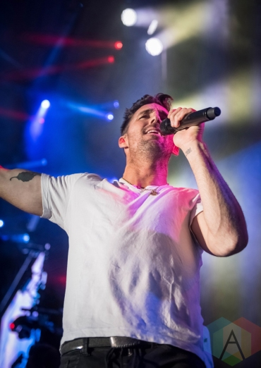 Jake Owen performing at the Boots And Hearts Music Festival on August 4, 2016. (Photo: Jeremy Mac Knott/Aesthetic Magazine)
