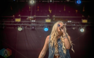 Madeline Merlo performing at the Boots And Hearts Music Festival on August 6, 2016. (Photo: Jeremy Mac Knott/Aesthetic Magazine)