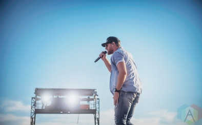 Chase Rice performing at the Boots And Hearts Music Festival on August 7, 2016. (Photo: Jeremy Mac Knott/Aesthetic Magazine)