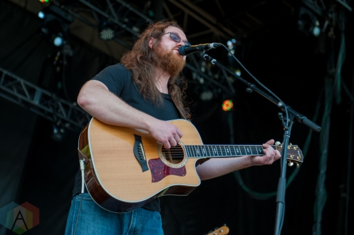 Justin Dunlop performing at Harvest Picnic 2016 at the Christie Lake Conservation Area in Dundas, Ontario on August 27, 2016. (Photo: Orest Dorosh/Aesthetic Magazine)