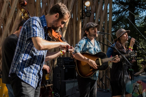 I Draw Slow performing at Pickathon 2016 in Happy Valley, Oregon on August 5, 2016. (Photo: Kevin Tosh/Aesthetic Magazine)