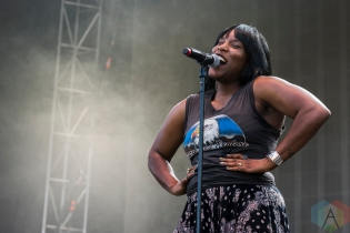 Liv Warfield performing at Project Pabst Portland on August 27, 2016. (Photo: Kevin Tosh/Aesthetic Magazine)