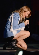 Singer Ellie Goulding performs at the 2016 Global Citizen Festival in Central Park in New York City on September 24, 2016. (Photo: Kevin Mazur/Getty)