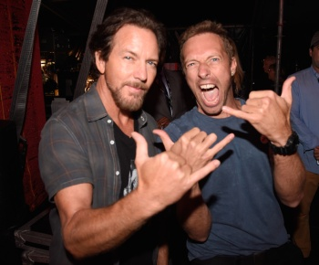 Eddie Vedder (L) and Chris Martin attend the 2016 Global Citizen Festival in Central Park in New York City on September 24, 2016. (Photo: Kevin Mazur/Getty)