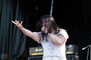 Andrew WK performing at Riot Fest Chicago on September 18, 2016. (Photo: Katie Kuropas/Aesthetic Magazine)