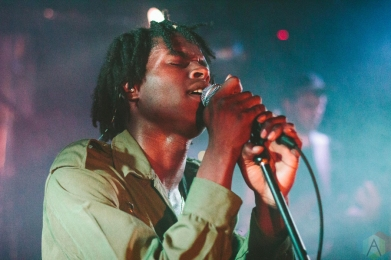 Daniel Caesar performing at the Biltmore Cabaret in Vancouver on September 16, 2016. (Photo: Danica Bansie/Aesthetic Magazine)