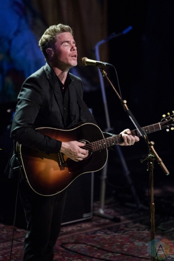 Josh Ritter performs at Thalia Hall in Chicago on September 26, 2016. (Photo: Santiago Covarrubias/Aesthetic Magazine)