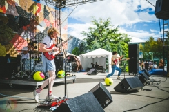 Naked Giants performing at the Bumbershoot Music Festival in Seattle on September 2, 2016. (Photo: Daniel Hager/Aesthetic Magazine)
